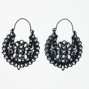 Black filigree teardrop Fashion Earrings